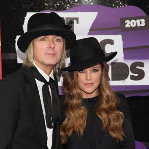 Lisa Marie Presley si Michael Lockwood