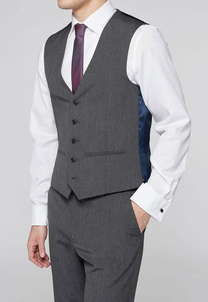 Vesta eleganta barbati cu costum din trei piese