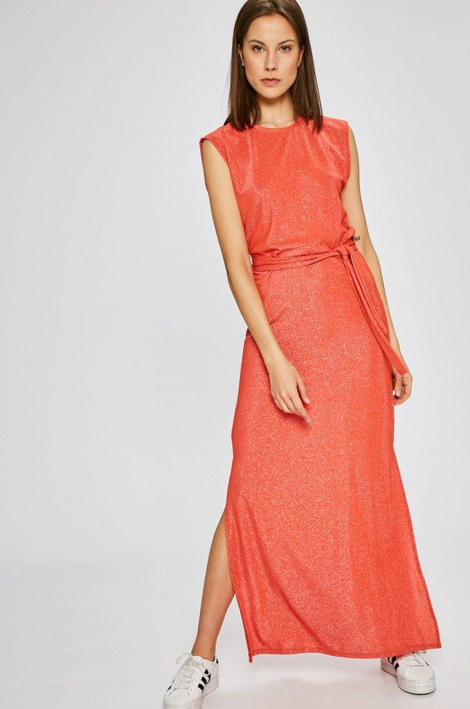 rochii rosii lungi decupate